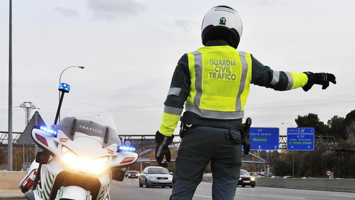 5 coches que son un imán para la Guardia Civil de Tráfico