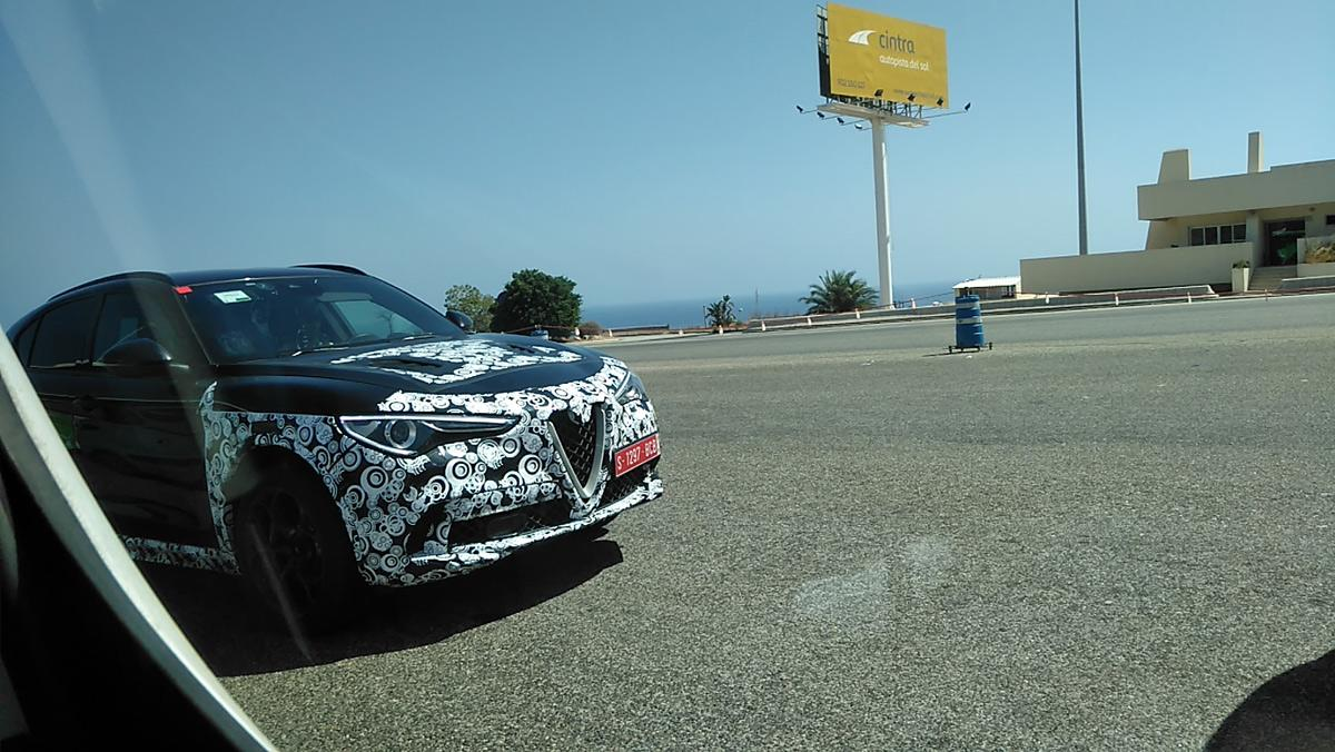 Alfa Romeo Stelvio 'cazado' (II)