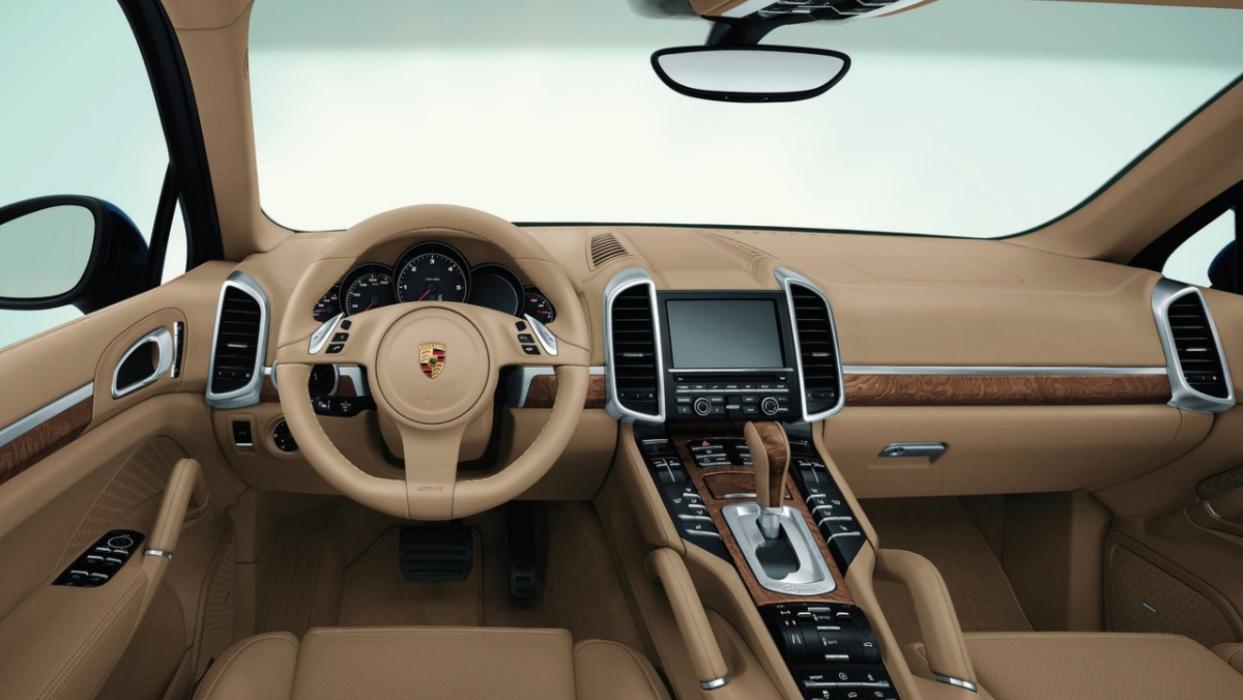 Porsche Cayenne (interior)