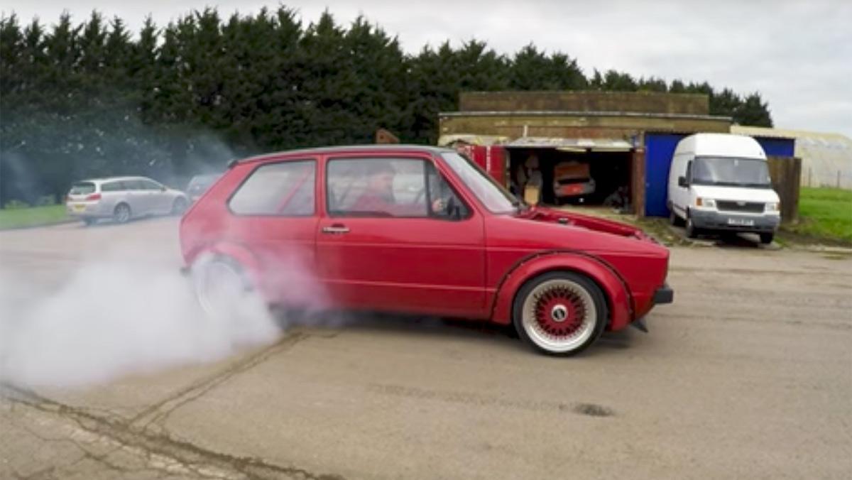 Volkswagen Golf MKI con motor V8