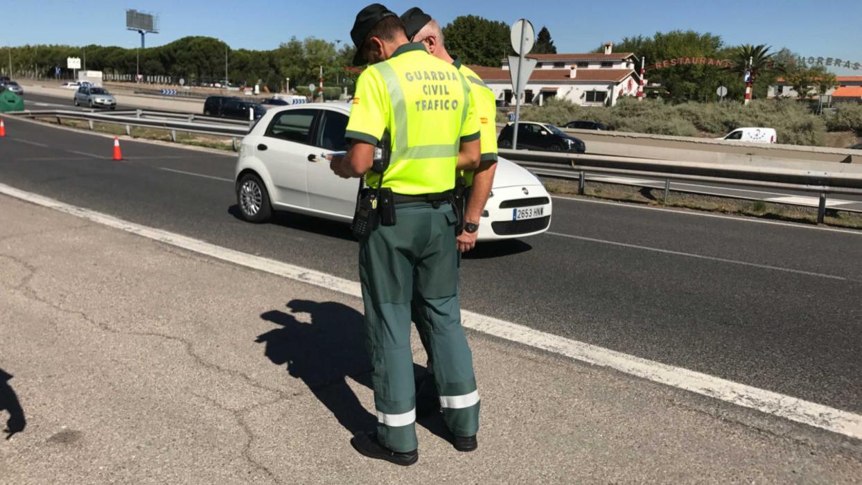 Guardias civiles campaña cinturón