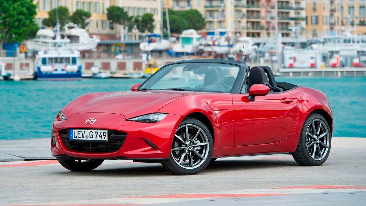 Caprichos sobre ruedas a precio asequible: Mazda MX-5 (I)