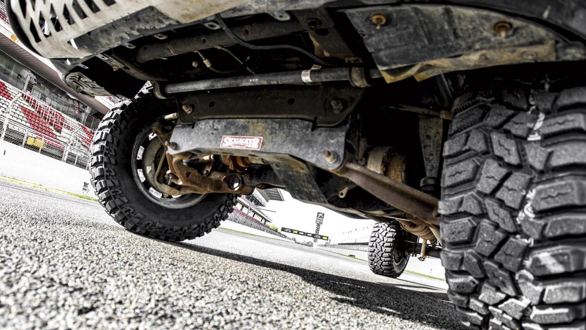 Chevrolet Silverado Monster (bajos)