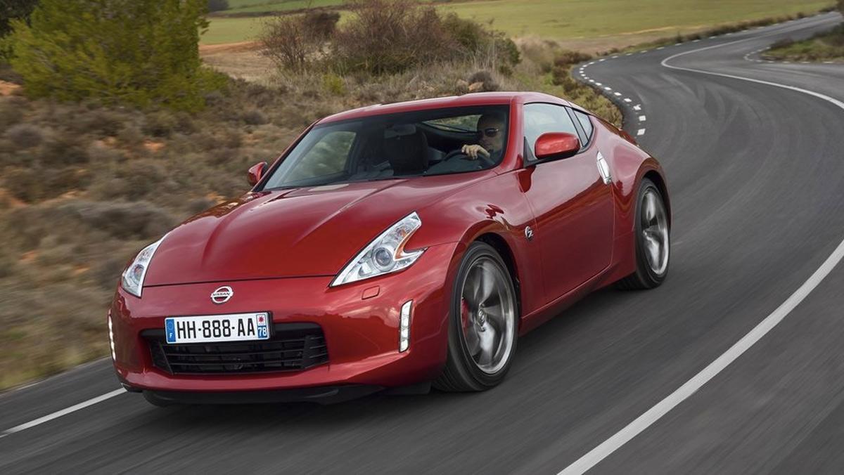 Los coches más baratos con más de 300 CV: Nissan 370 Z