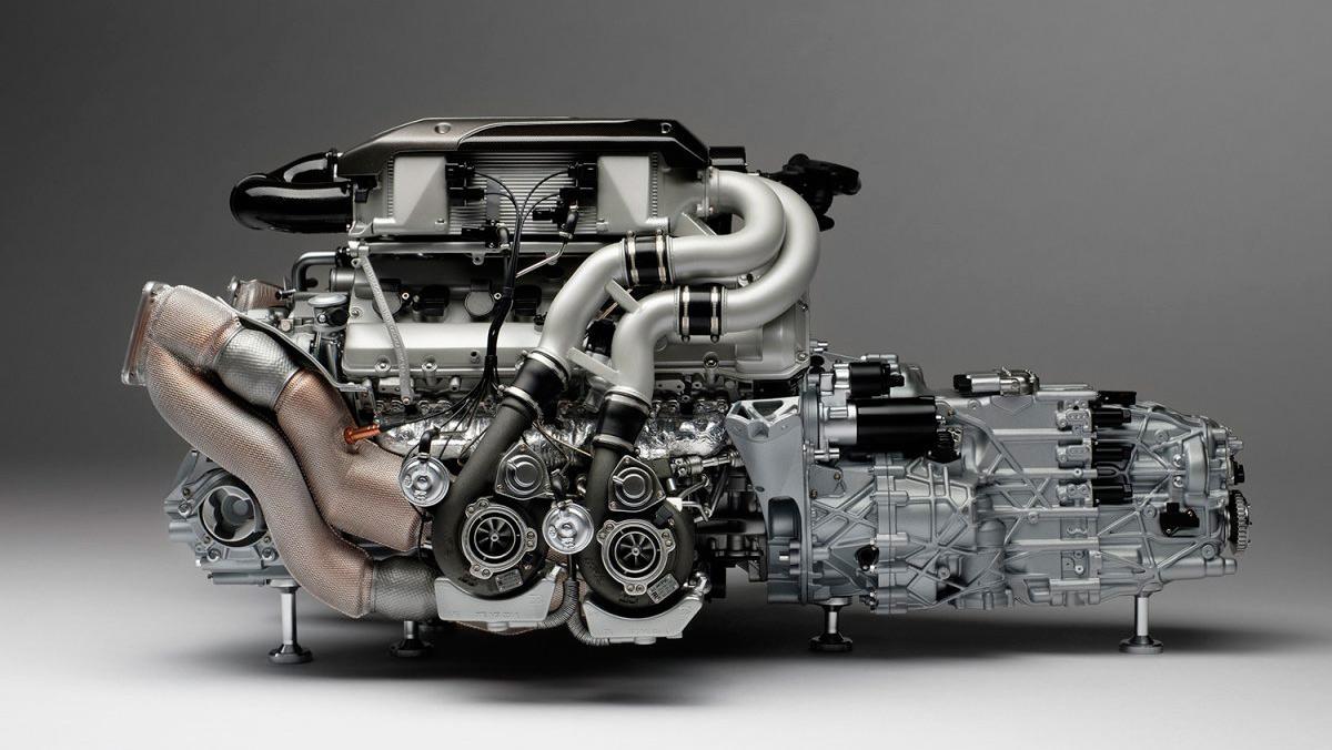 Motor a escala de un Bugatti Chiron (I)