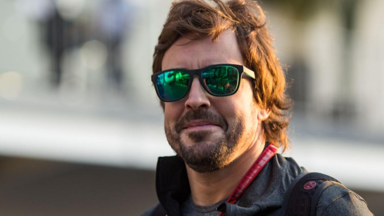 Fernando Alonso, en el paddock del GP México 2017