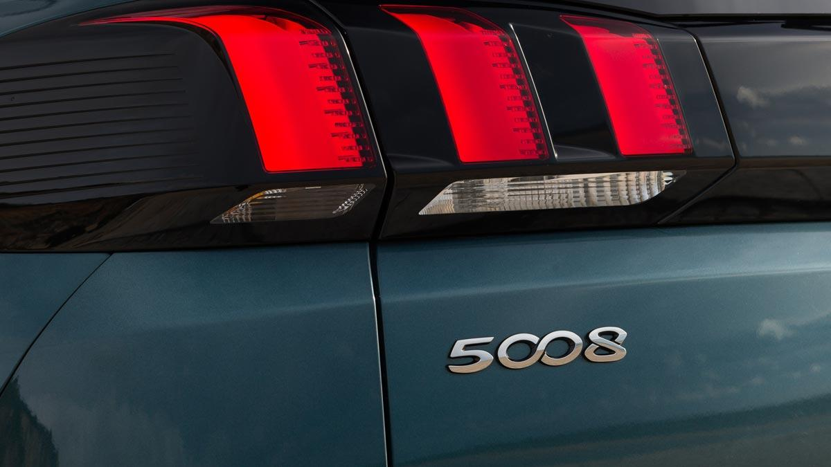 logo del Peugeot 5008 numero 8
