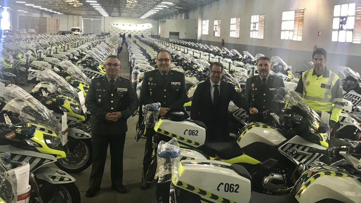 Motos Guardia Civil con alcoholimetro