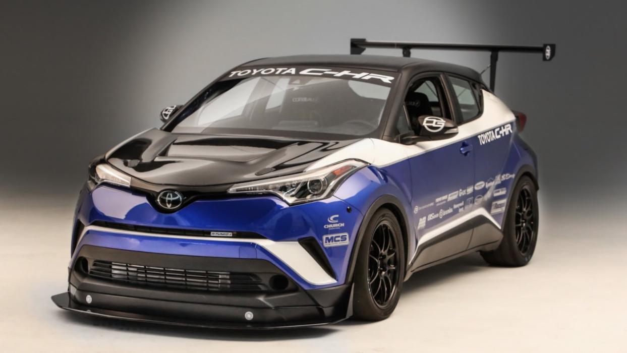 Toyota C-HR por Dan Gardner Spec
