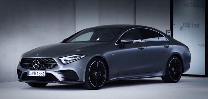 ¡Ya lo tenemos! Larga ha sido la espera y la especulación, pero en este vídeo verás al Mercedes CLS 2018 al descubierto, al detalle e, incluso, en movimiento.