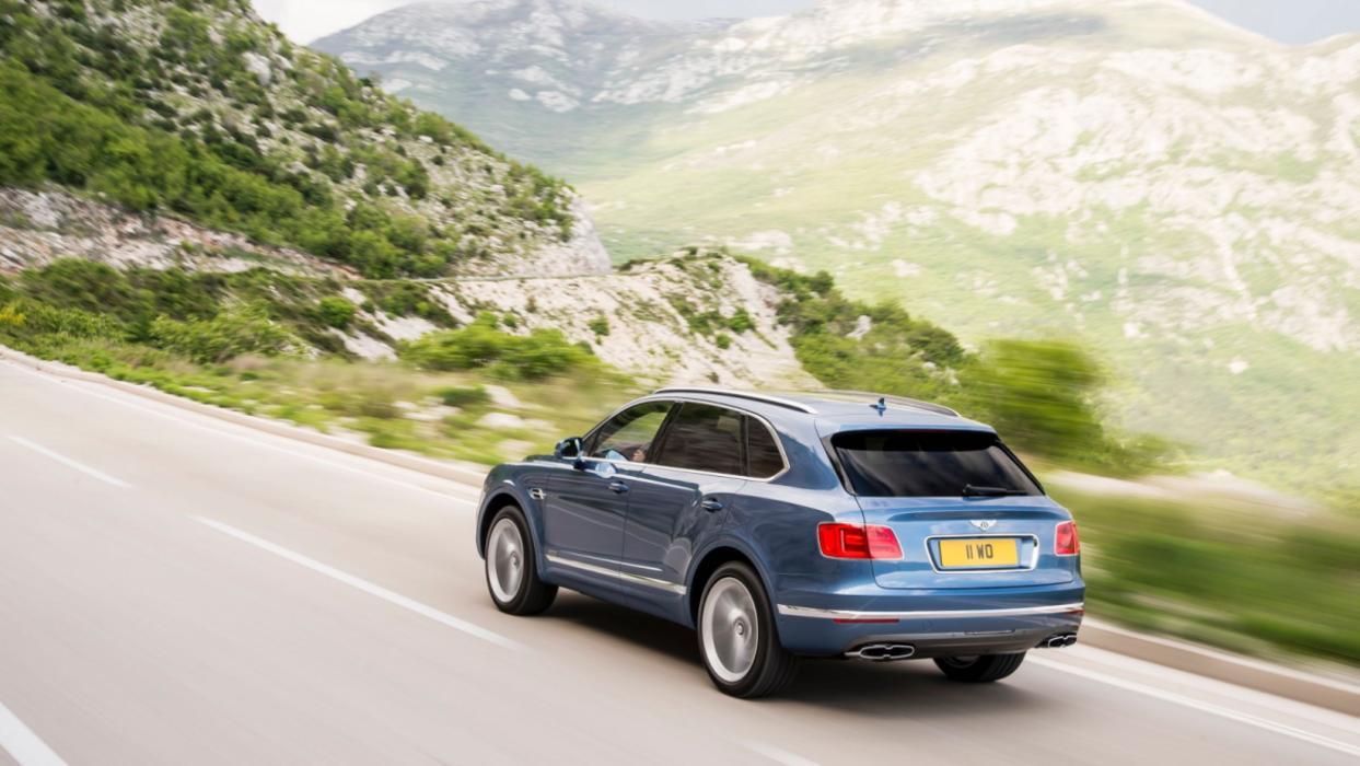 Bentley Bentayga nuevos motores 2018