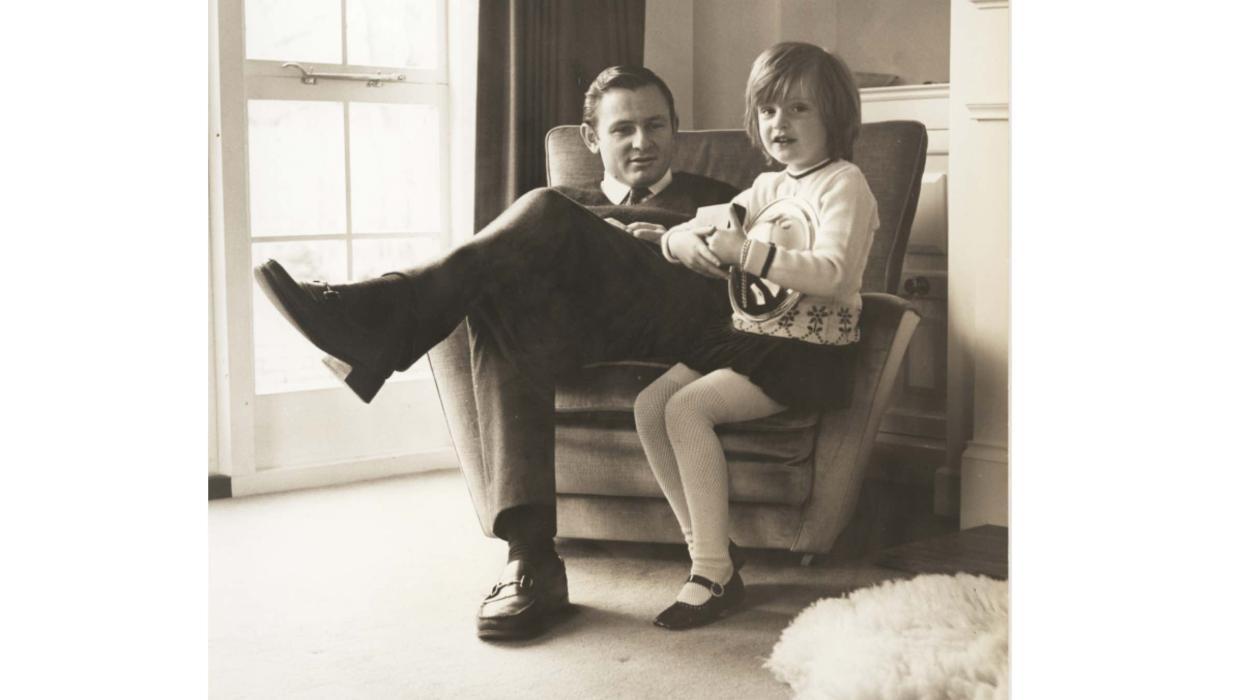 Bruce McLaren junto a su hija, Amanda McLaren