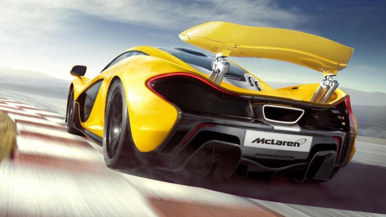 McLaren P1 amarillo