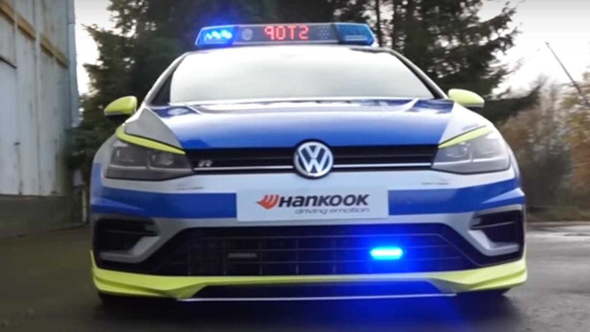 El VW Golf R400 jacos de la poli teutona