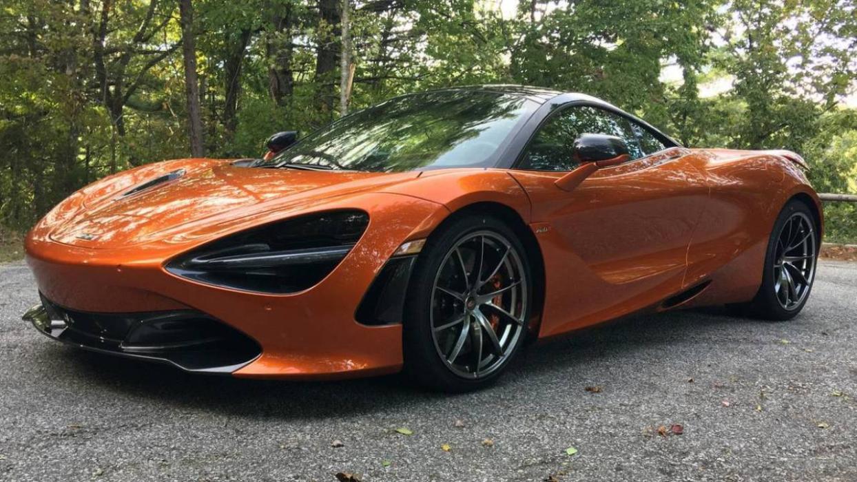 McLaren 720S off road