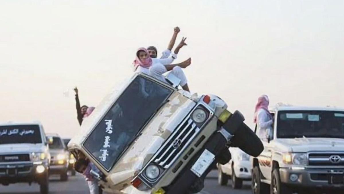 Subastan en Arabia 923 vehículos
