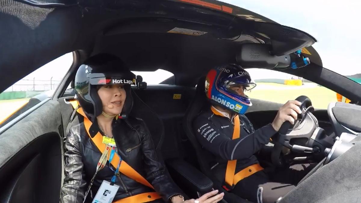 La 'hot lap' Alonso y Carina Lau en China F1 2018