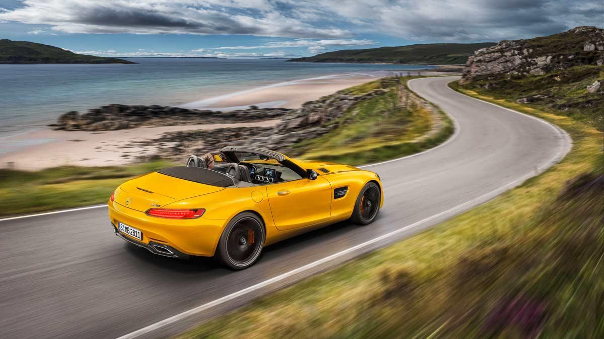 descapotable deportivo lujo altas prestaciones curvas amarillo