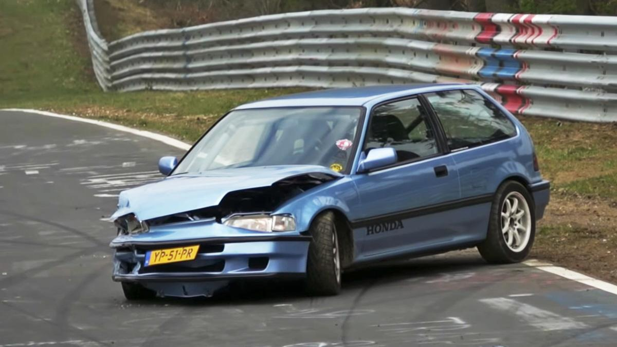 Un Honda Civic accidentado en Nürburgring