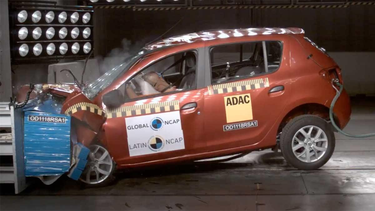 Dacia compacto barato accidente impacto