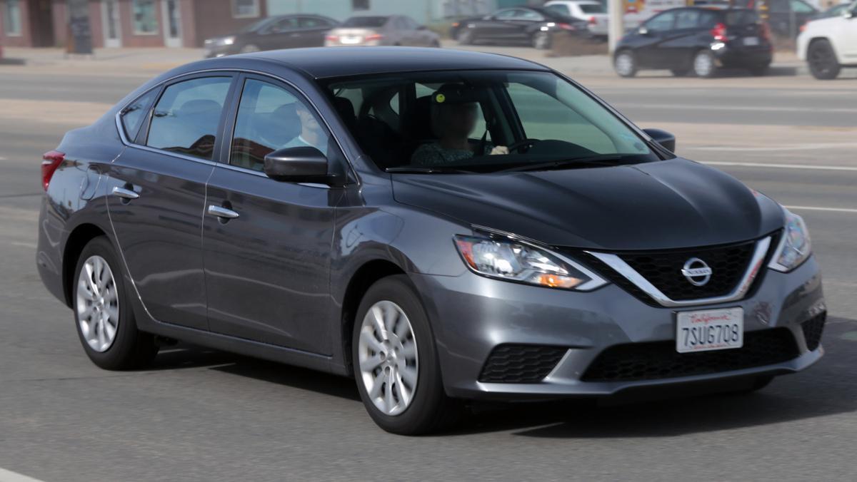 Conduce Nissan Sentra robado por error