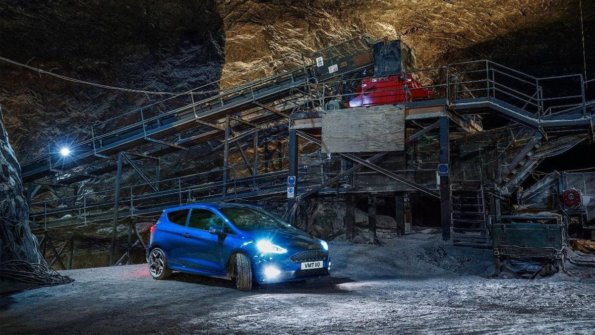Ford Fiesta ST en una mina a 400 metros de profundidad