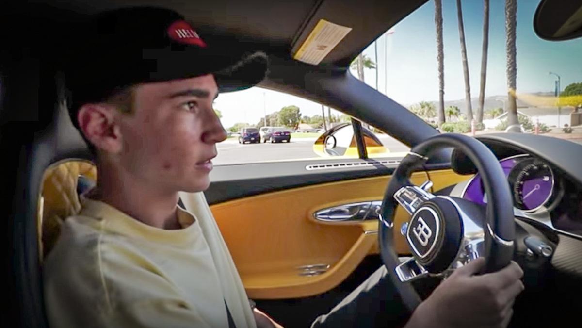 Aprueba el examen de conducir con 17 años... ¡y un Bugatti Chiron!