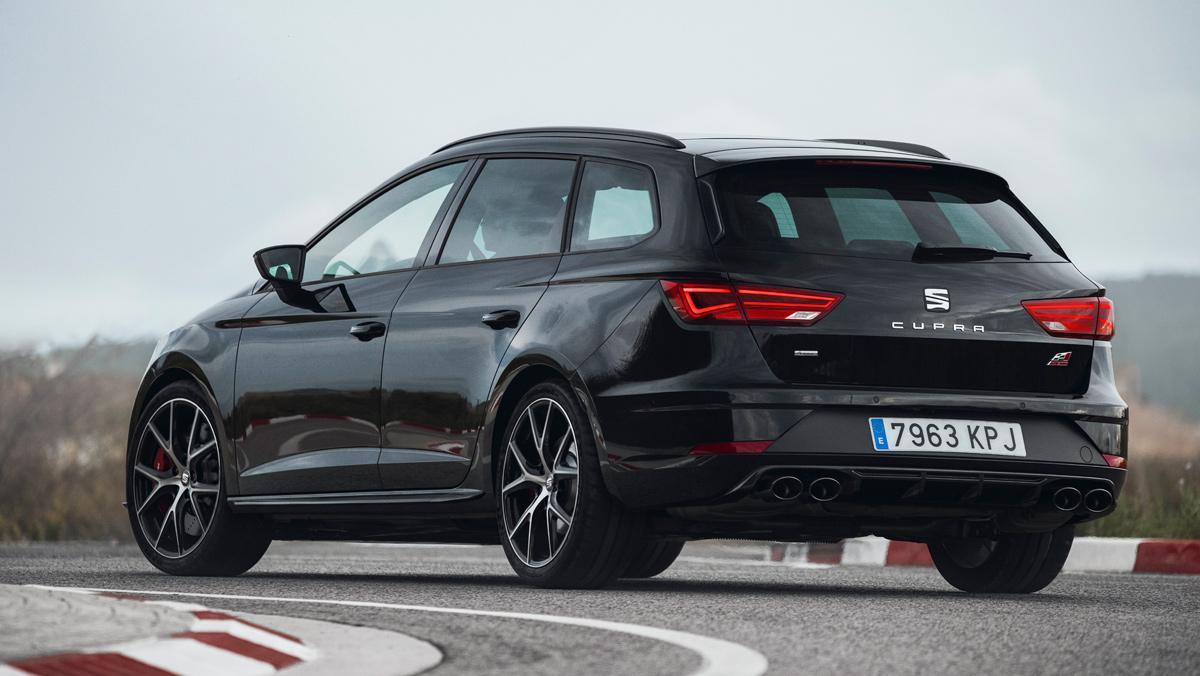 Seat León ST Cupra Black Carbon (posterior)