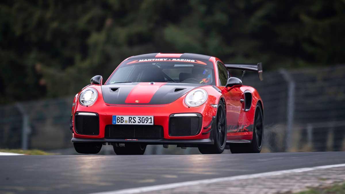 Porsche 911 GT2 RS MR Nürburgring