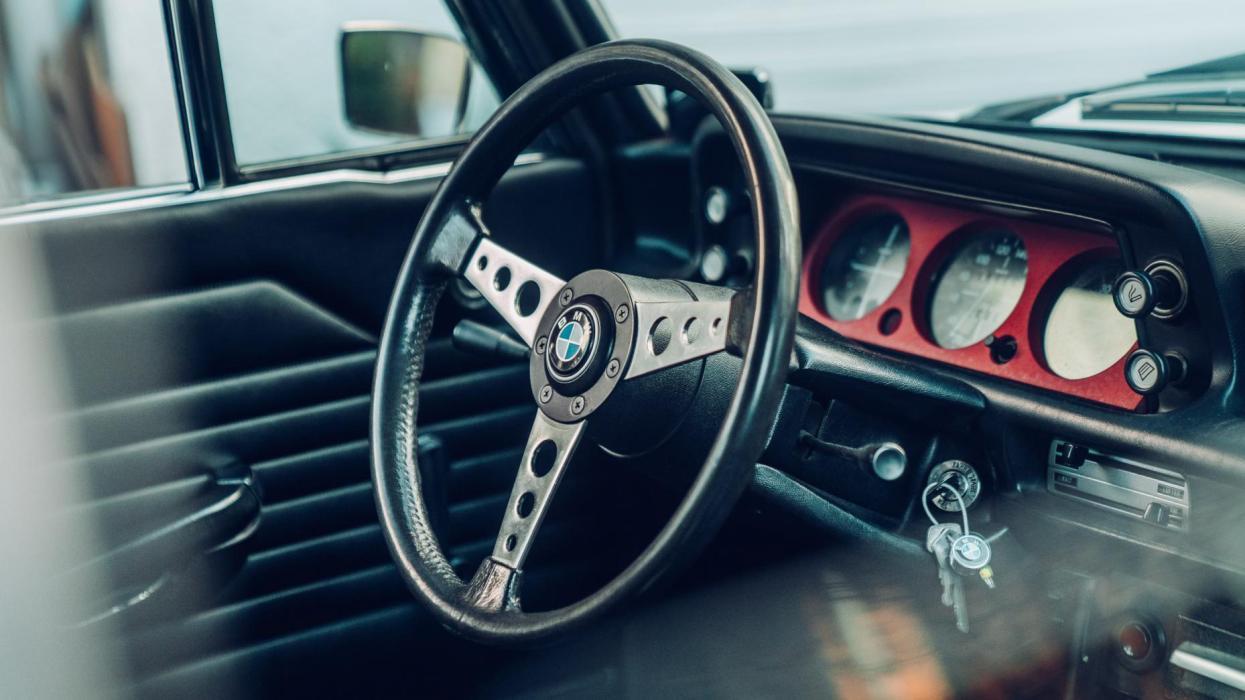 BMW 2002 Turbo (interior)