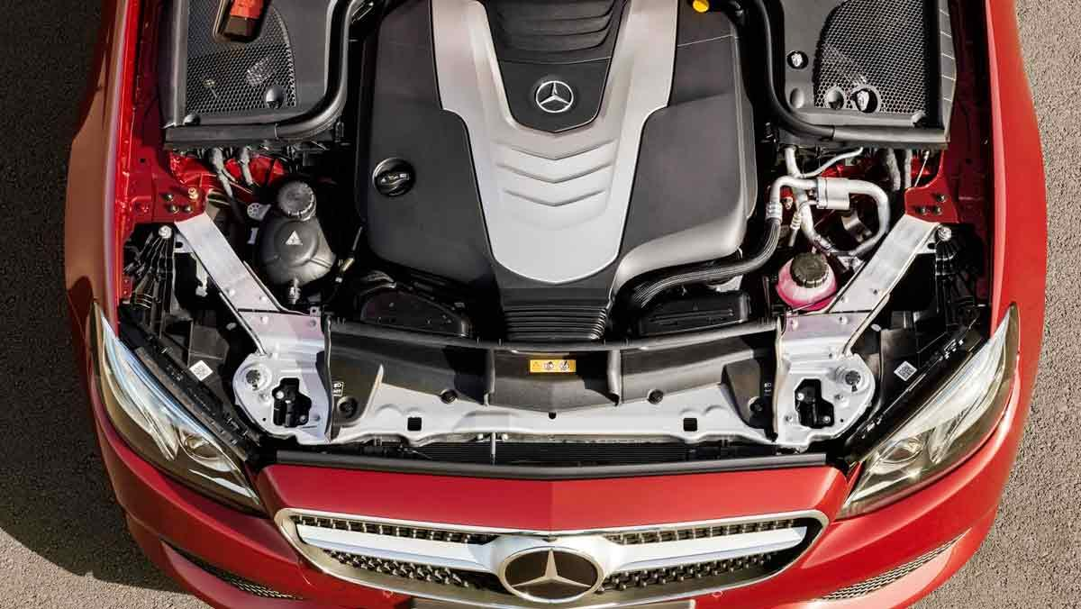 Mercedes Clase E Coupé motor