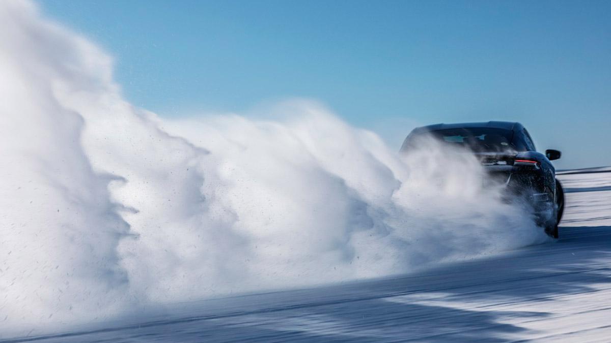 frio nieve calor dubai coches electricos lujo