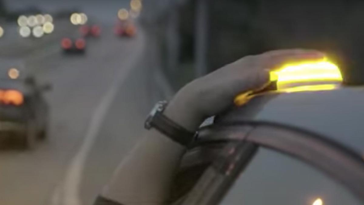 Balizas luminosas para señalizar emergencias en el coche