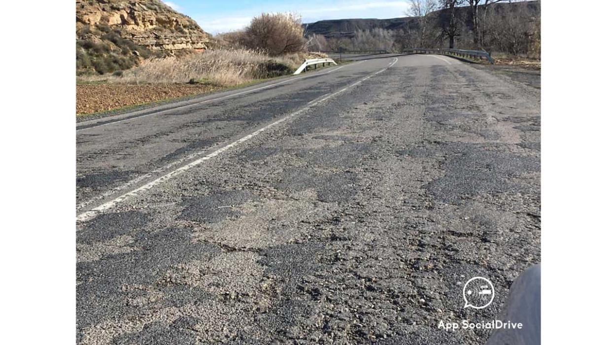 Carreteras en mal estado. A-131 Fraga. Huesca