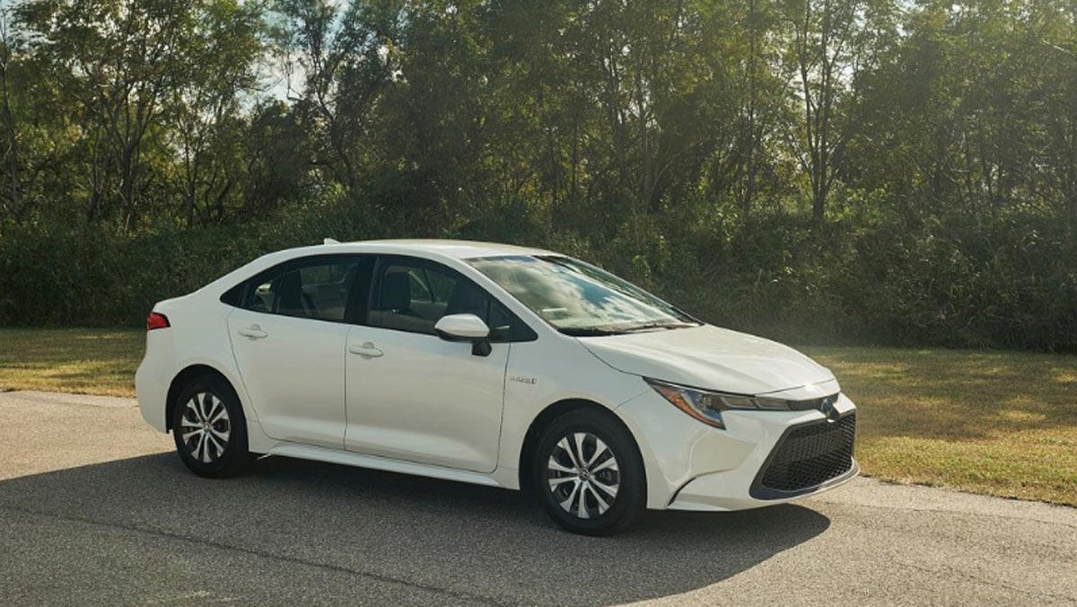 Toyota Corolla Hybrid, lateral