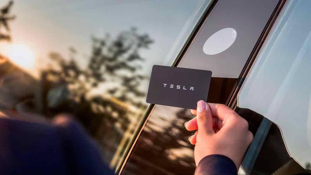 Prueba Tesla Model 3 - llave