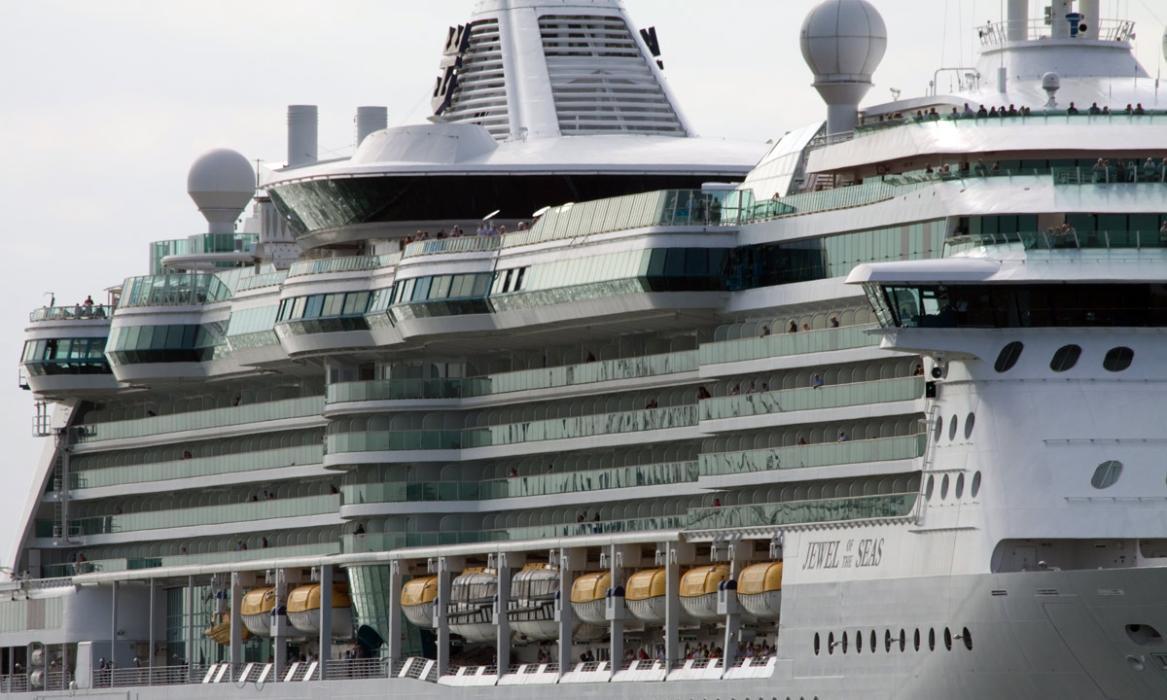 barco que emite como 100 millones de coches