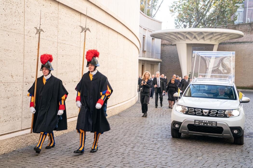Dacia Duster Papamóvil
