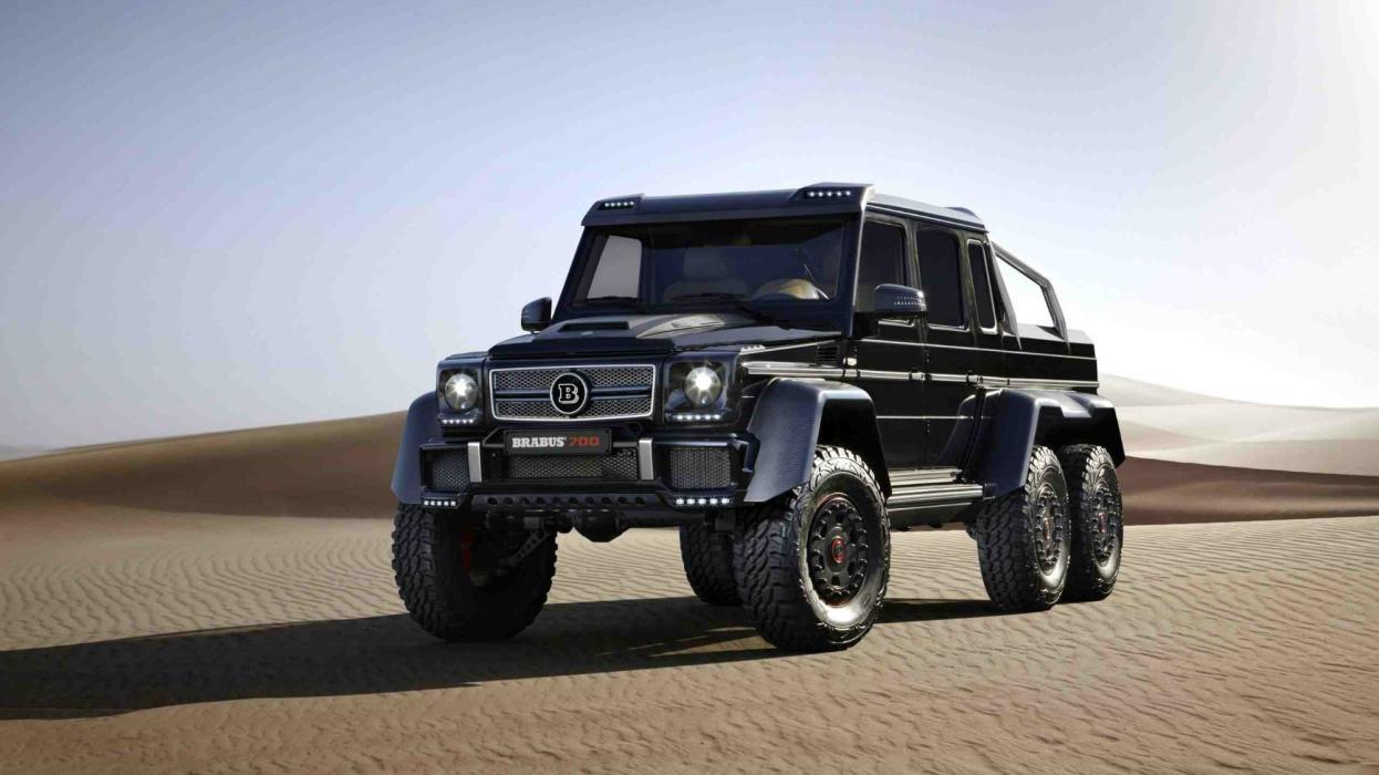 Brabus 700 Mercedes G63 AMG 6x6