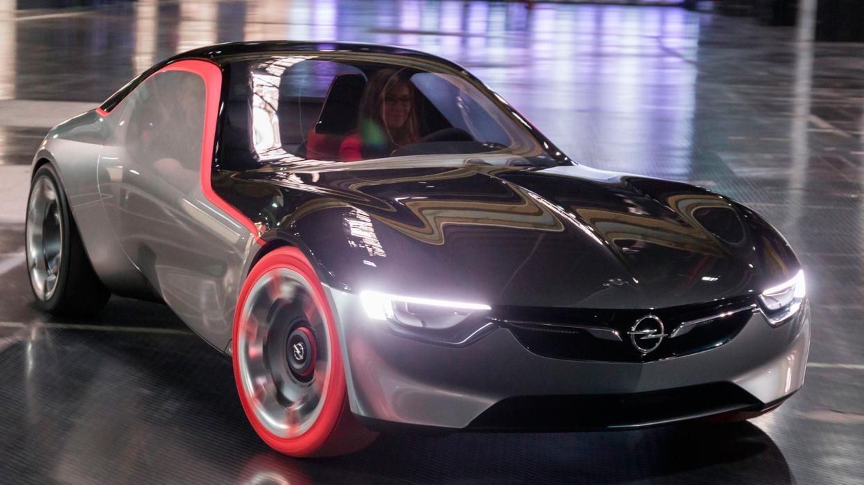 Opel GT Concept en movimiento