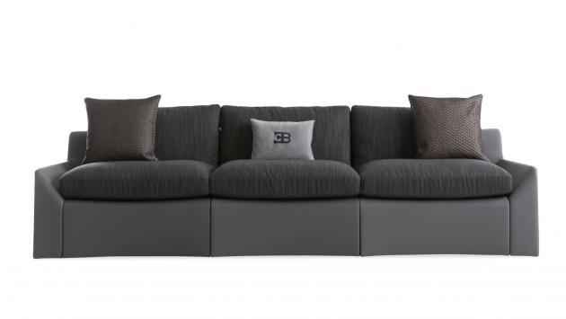 El sofá Chiron de Bugatti y otros muebles de su colección