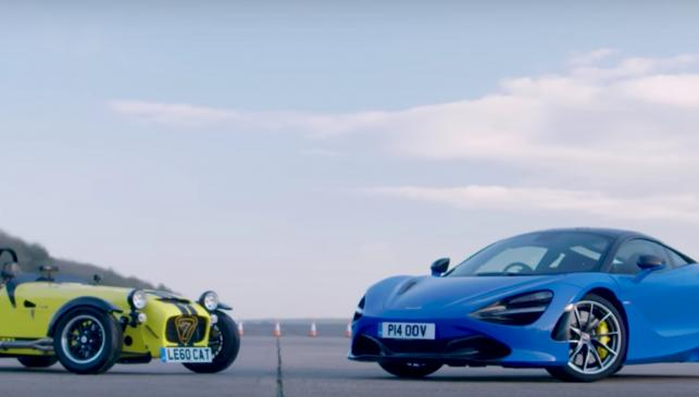 Caterham 620R vs McLaren 720S